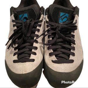 Five Ten Guide women's approach shoe size 7